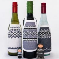 Here are a few of my wine bottle apron cross stitch designs. They make fun stocking fillers or jazz up any bottle of wine for a Nordic-inspired bit of table decoration. Everything is available in complete kit form from my Etsy shop. Link is in the bio. Blank aprons and PDF patterns also available if you want to create your own masterpiece! • • • • • #crossstitch #xstitch #embroidery #needlework #pointdecroix #craft #handembroidery #diy #crafty #broderie #crafts #crafting #sewing #crossstitcher #crossstitching #embroideryart #yarn #handcrafted #etsy #etsyuk #crossstitchersofinstagram #xstitching #iceland #lopapeysa #stitchfiddle #winebottleapron #nordicdecoration #stockingstuffer #diygift