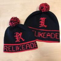 Special beanies for a special demon and her cute offspring 😉! You might guess ti whom these beanies are sent to. #timetogive2019 #veganbeanie #lucifernetflix #carelikeademon #stitchfiddle #happyknitter #lanagrossa