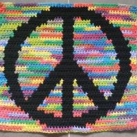 Sometimes you just have to ask yourself if you would rather have it perfect or have it finished 😂 Here's my #peacesign Swipe if you're a #yarnnerd and want to see the back #oddlysatisfying #crochet