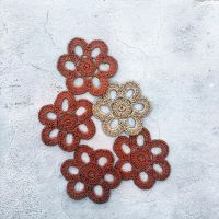 It is so relaxing to make this #raffia flower. The chart in the second photo is my first attempt with #stitchfiddle