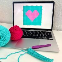 I decided before I release my watermelon pillow pattern that it might be helpful if I done a quick tutorial about tapestry crochet. So, this is the little project that will be in my tutorial 💗 I really like tapestry crochet right now! I have so many different ideas that I'm wanting to make 😁 it's really not as hard as it might seem, it's really fun to do! Hopefully, the tutorial will be up before the end of the week and I can move on to getting that cute watermelon 🍉 pillow up on my blog too! Happy Tuesday 😉