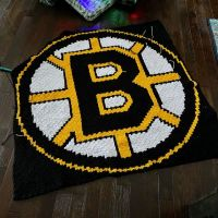 Home stretch !! . . . #nnchandmade #crochet #cornertocornercrochet #bostonbruins #nhlblanket #bostonbruinsblanket #stitchfiddle #graphgan